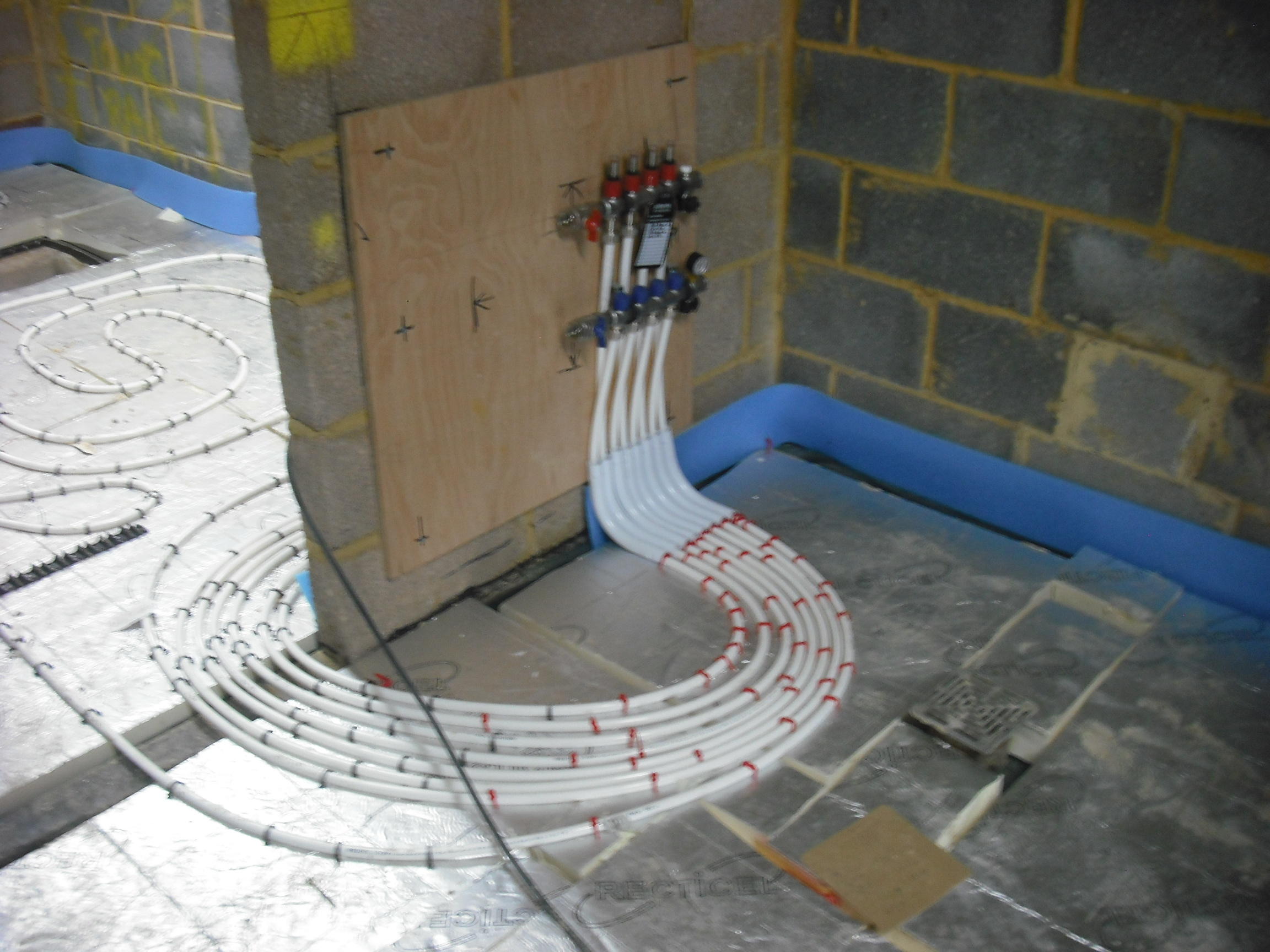 Wet Underfloor Heating  Installation And Training